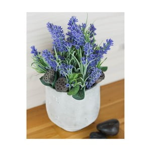 Kvetinová dekorácia od Aranžérie, malé levandule