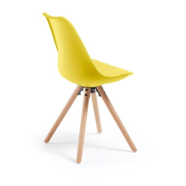 Žltá jedálenská stolička s drevenou podnožou La Forma Lars