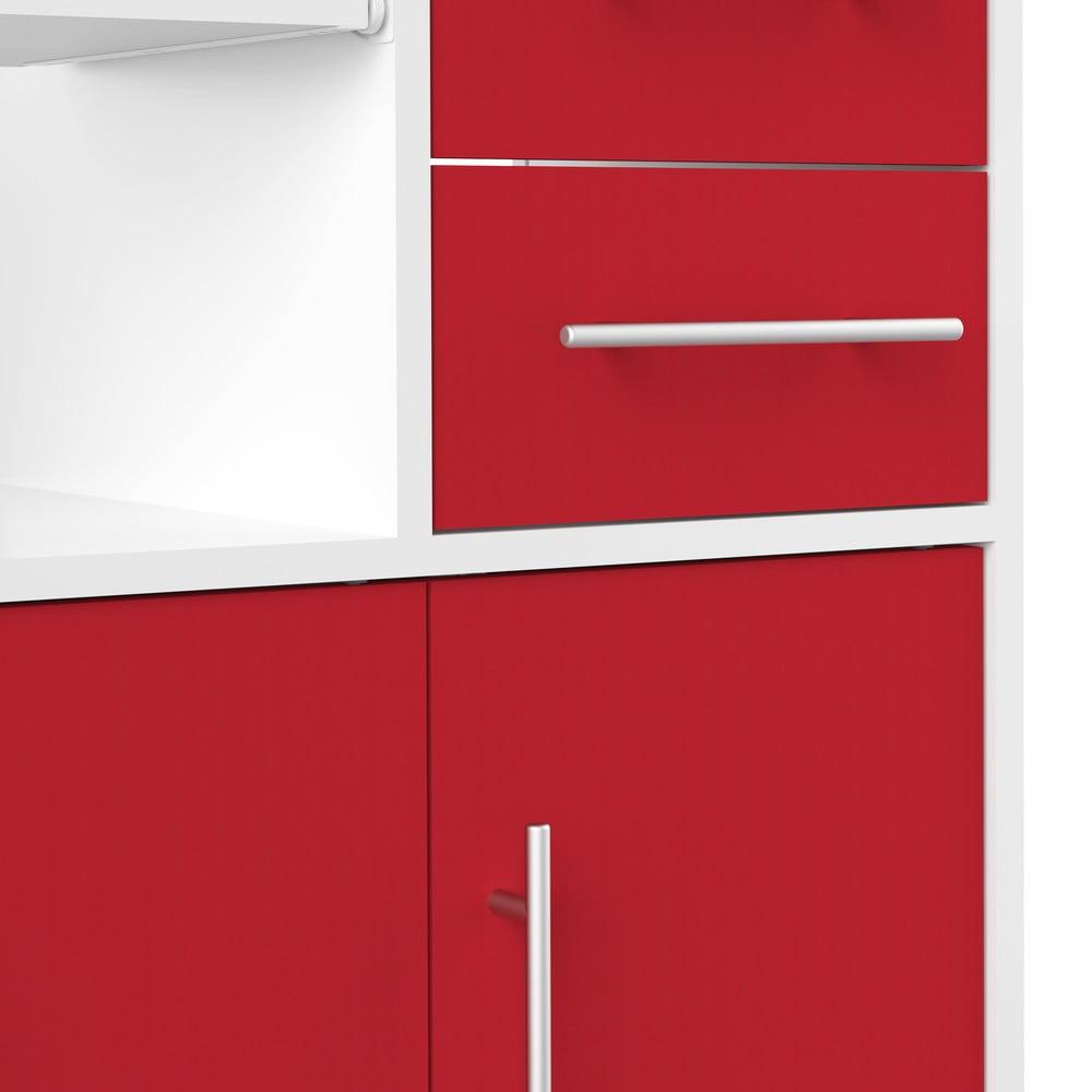 Červená komoda na kolieskach TemaHome Marius Nábytok francúzskej značky <b>TemaHome</b> je navrhovaný a vyrábaný v samom srdci dizajnu.  Doprajte svojmu bytu poriadnu vzpruhu v podobe štýlových kúskov, ktoré vám dopomôžu k bývaniu v štýle pravých Parížanov.