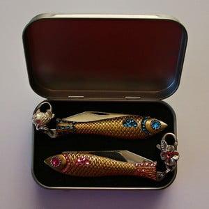 Darčekové balenie 2 nožíkov rybička Ružové a modreé kryštály, v plechovej krabičke
