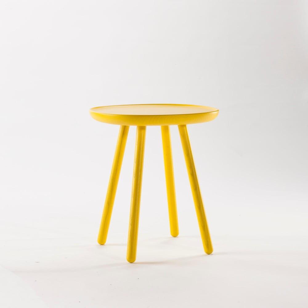 Žltý odkladací stolík z masívu EMKO Naïve Small, ø 45 cm