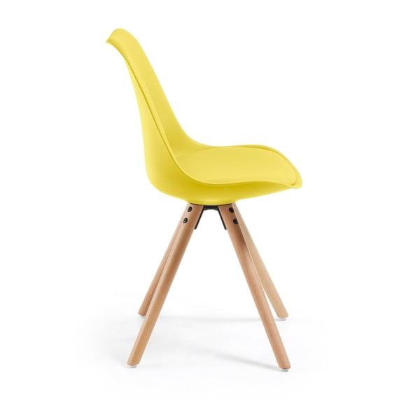Žltá stolička s dreveným podnožím Lars