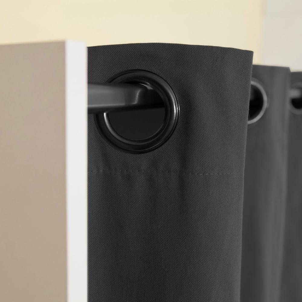 Biely úložný systém s policami a tmavosivým závesom TemaHome Úložný systém od <b>TemaHome</b> vyrieši vaše starosti s uložením oblečenia, topánok, kabeliek a ďalších cenností.  Úložný systém vám príde prakticky zložený a jeho montáž je jednoduchá.
