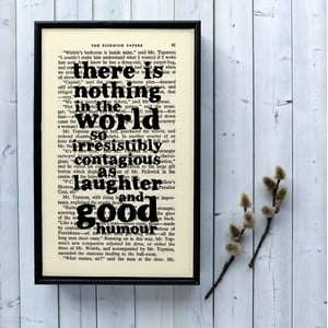 Plagát v drevenom ráme Dickens Laughter