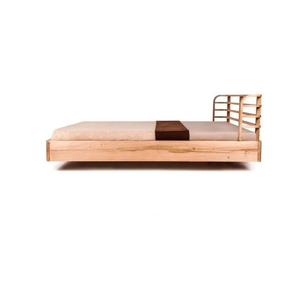 Posteľ Mazzivo Bow z jelšového dreva napusteného ľanovým olejom, 160 x 200 cm
