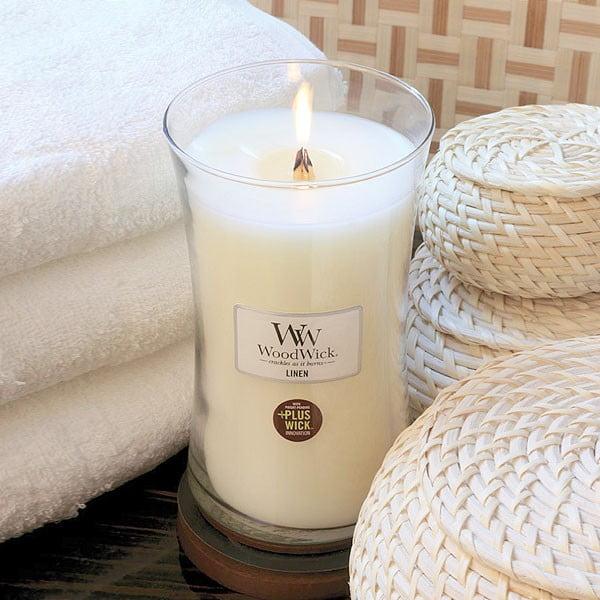 Sviečka s vôňou čerstvo vypraného prádla WoodWick Čisté prádlo, doba horenia 130 hodín