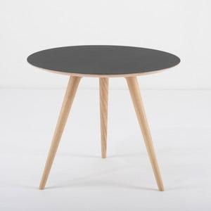 Príručný stolík z dubového dreva sčiernou doskou Gazzda Arp, Ø 55 cm