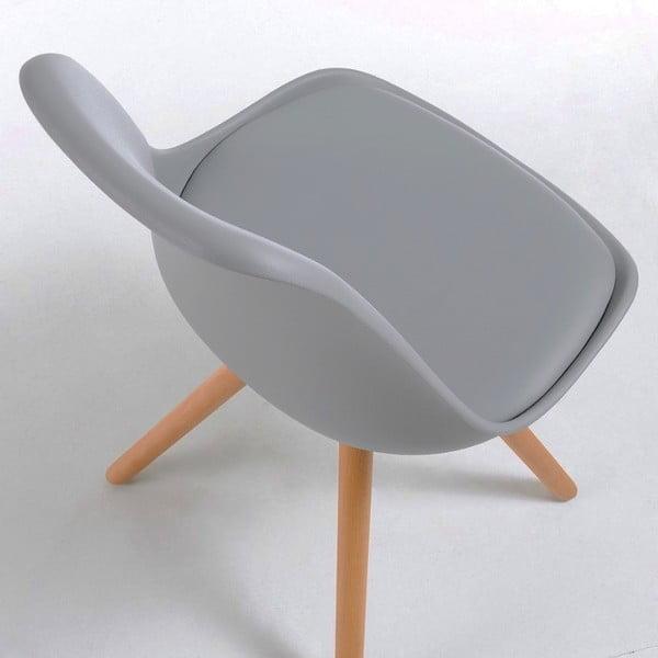 Sivá stolička s bukovými nohami loomi.design