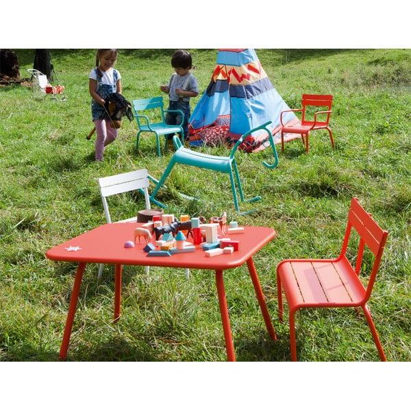 Oranžovočervený detský stôl Fermob Luxembourg