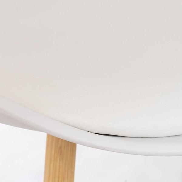 Biela stolička s bukovými nohami loomi.design Retro