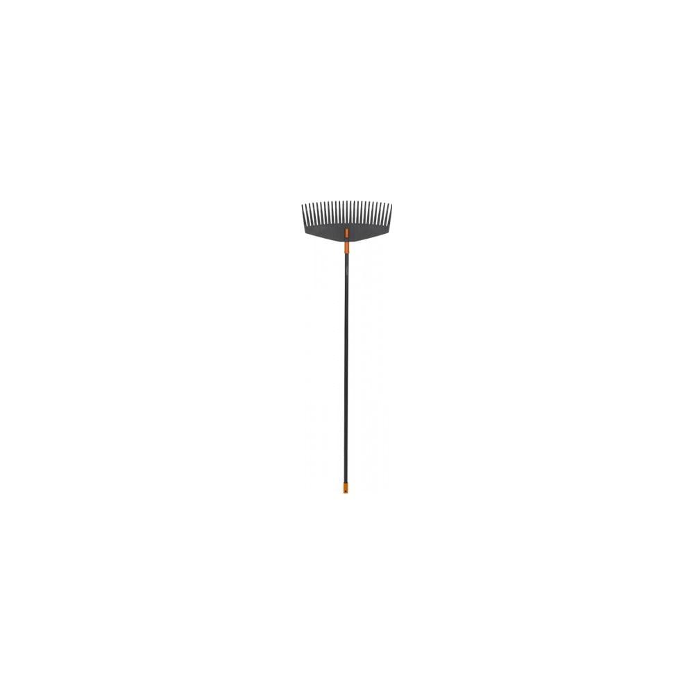 Čierne hliníkové hrable s násadou na lístie Fiskars Solid, šírka 52 cm