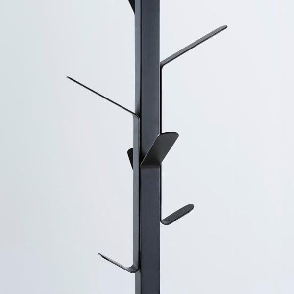 Čierny vešiak na kabáty Actona Vinson