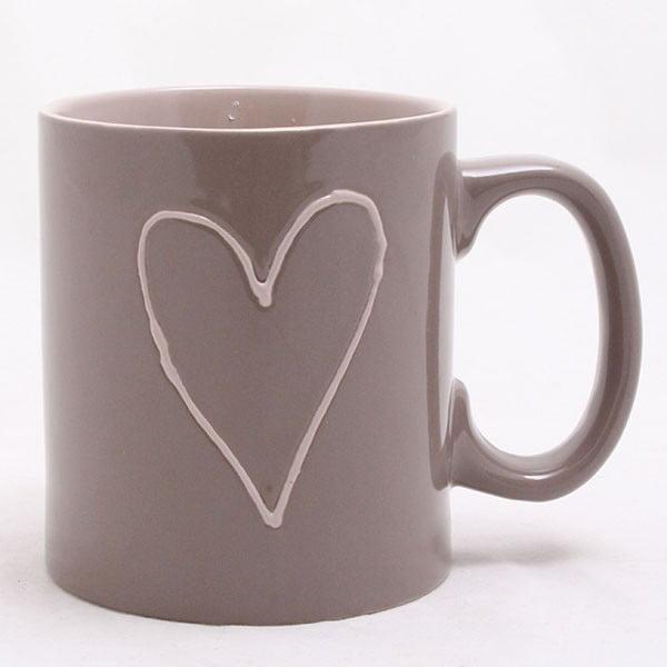 Ručne zdobený hnedý keramický hrnček Dakls Heart Dark, 500 ml
