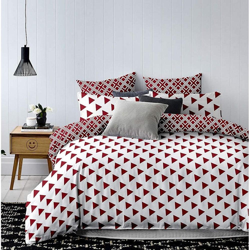 Bielo-červené obojstranné obliečky na jednolôžko z mikrovlákna DecoKing Hypnosis Triangles, 220 x 155 cm