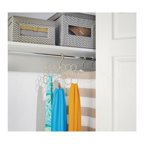Kovový závesný držiak na uteráky, šatky a oblečenie v zlatej farbe InterDesign Axis, dĺžka 29 cm