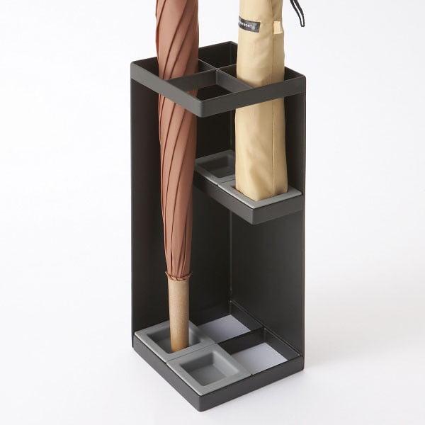 Čierny stojan na dáždniky YAMAZAKI Smart