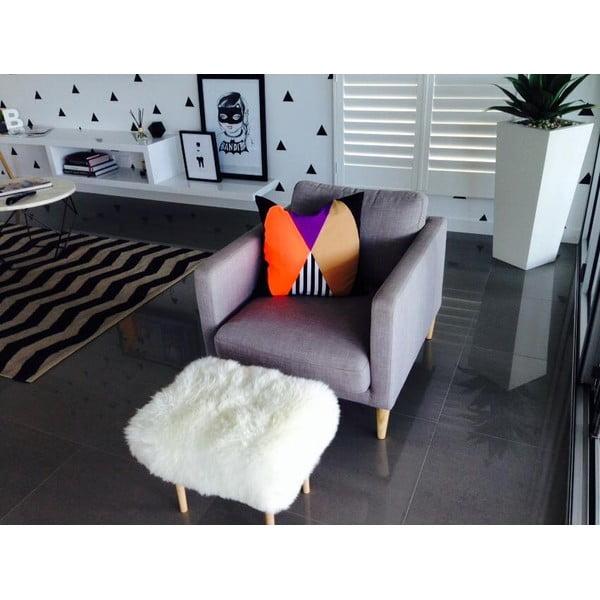 Stolička z ovčej kože Angharad Ivory
