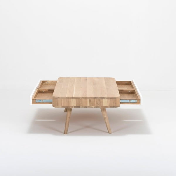 Konferenčný stolík s konštrukciou z masívneho dubového dreva so zásuvkou Gazzda Ena