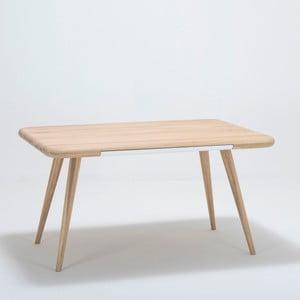 5476fd19bd46 Jedálenský stôl z dubového dreva Gazzda Ena One