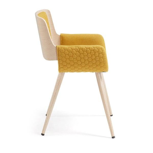 Horčicovožltá stolička s drevenou podnožou a opierkami La Forma Andre
