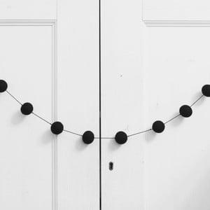 Girlanda z ručne vyrobených guličiek Felt, čierna