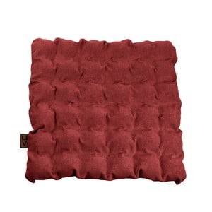 Červený vankúš na sedenie s masážnymi loptičkami Linda Vrňáková Bubbles, 55 × 55 cm