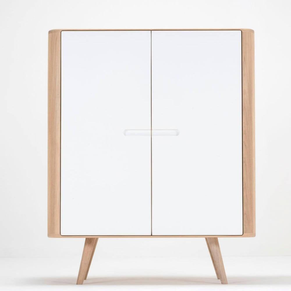 Skriňa z dubového dreva Gazzda Ena, 90 × 110 cm