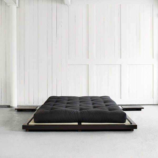 Posteľ z borovicového dreva Karup Design Dock, 180×200 cm