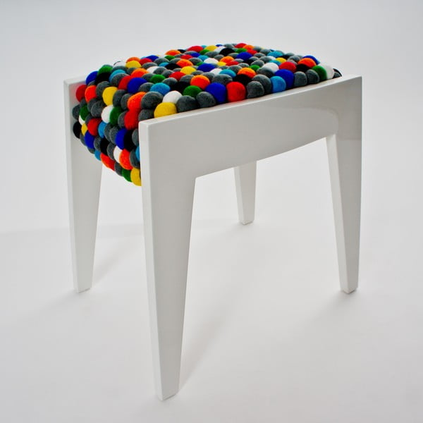 Ručne vyrobená guličková stolička Felt