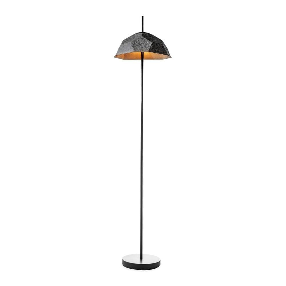 Čierna stojacia lampa s tienidlom z recyklovaného papiera Design Twist Mosen