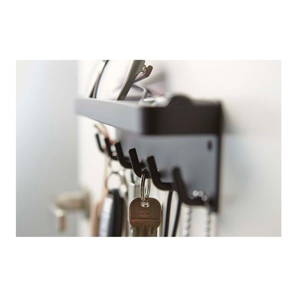 Čierny vešiak na kľúče s poličkou YAMAZAKI Smart