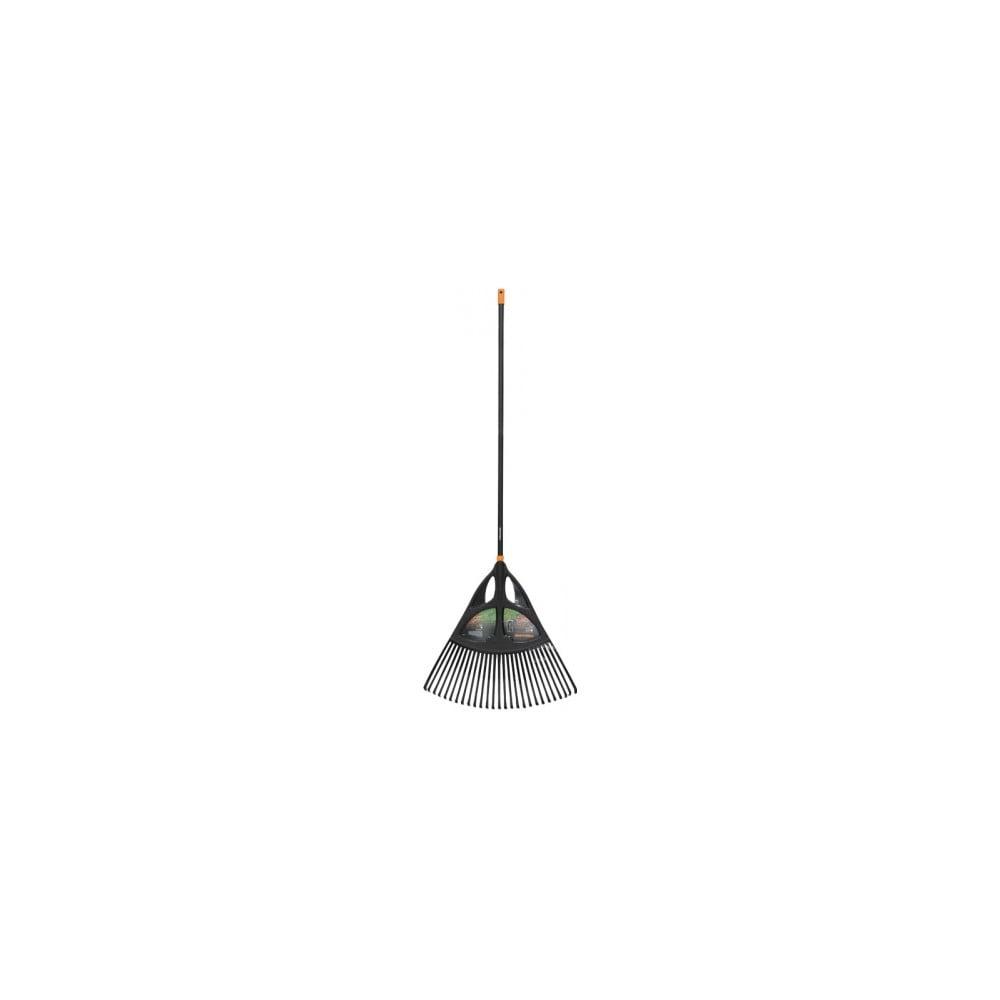 Čierne hliníkové hrable s násadou na lístie Fiskars Solid, šírka 65 cm