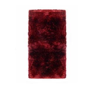 Červený koberec z ovčej kožušiny Royal Dream Zealand, 140 x 70 cm