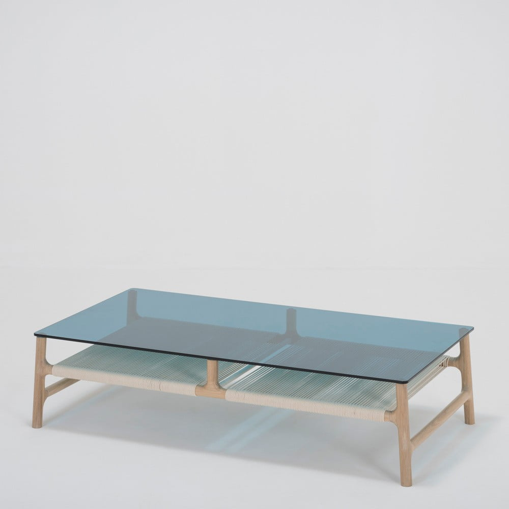 Konferenčný stolík s konštrukciou z dubového masívu a modrou doskou Gazzda Fawn, šírka 120 cm
