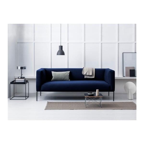 Tmavomodrá zamatová trojmiestna pohovka Windsor & Co Sofas Neptune