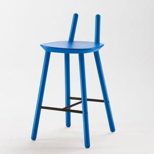 Modrá barová stolička z masívu EMKO Naïve