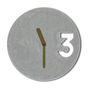 Betónové hodiny od Jakuba Velínského, plné zlaté ručičky