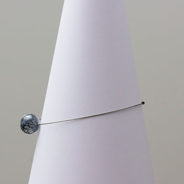 Sklenený náhrdelník ko-ra-le Wired, modrý