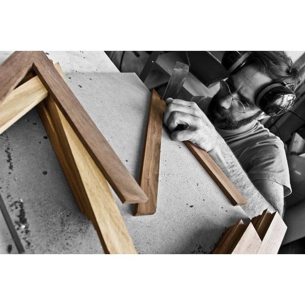Rohová polica na knihy z dubového dreva das kleine b b3, výška 34 cm