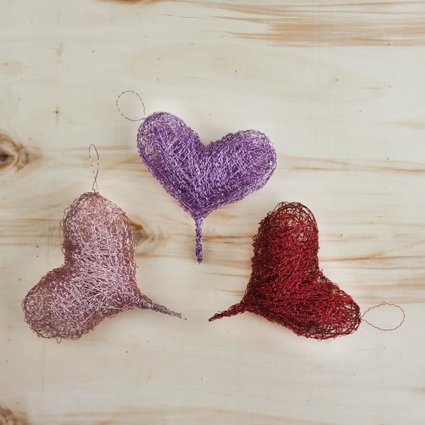 Sada 3 závesných drôtených srdiečok od Aranžérie, ružovkasté